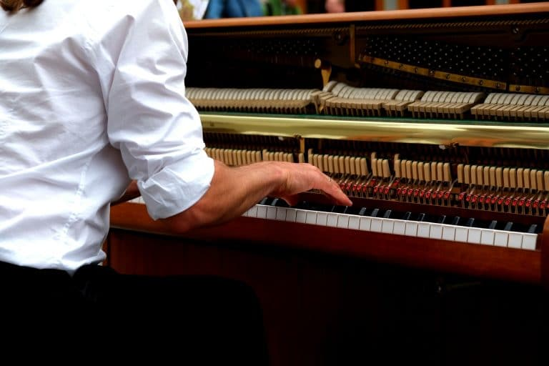 upright piano repair chicago, repair my piano chicago, fix my piano chicago