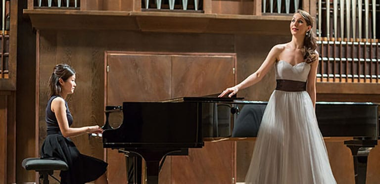 rent piano for an event in chicago, chicago piano rentals, rent a piano in chicago