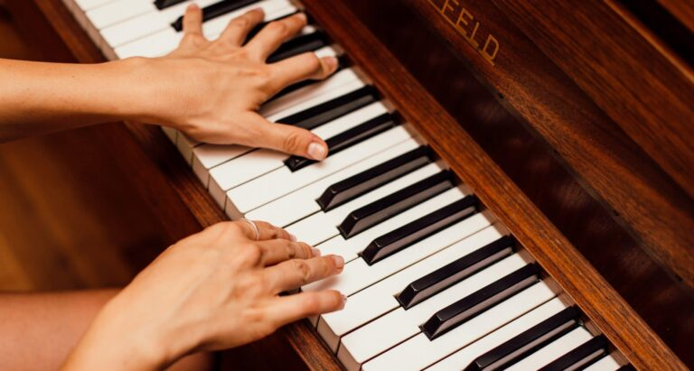 instrument moving, chicago piano moving, reliable movers