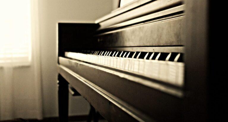 piano moving service, chicago piano moving service, milwaukee piano moving service